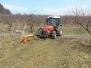 Jarní práce v sadech
